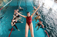 Kinder im Schwimmbad Erding