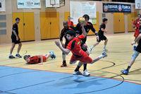 Handballspiel in einer Halle