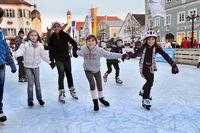 Kinder auf dem Eis