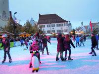 KInder beim beim Eislaufen